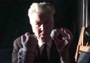 C'è questo strambo video con David Lynch che non sappiamo come descrivere