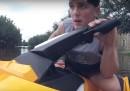 Cosa succede quando uno youtuber vuole soccorrere le persone colpite da un uragano