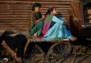 La strana storia delle trecce tagliate in Kashmir