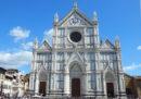 Un pezzo di pietra si è staccato ed è caduto uccidendo un turista nella chiesa di Santa Croce a Firenze