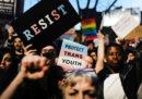 Una giudice federale statunitense ha bloccato il divieto per le persone transgender di servire nell'esercito