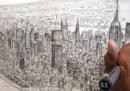 L'artista che disegna a memoria lo skyline di New York