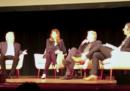 Durante un incontro pubblico, John Oliver ha chiesto conto a Dustin Hoffman di un'accusa di molestie nei suoi confronti