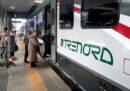 Le cancellazioni dei treni dopo il deragliamento del treno fuori Milano
