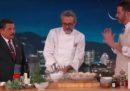 Lo chef Massimo Bottura ha cucinato al talk show di Jimmy Kimmel