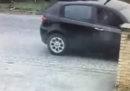 C'è un video che mostra Luca Traini mentre spara dall'auto a Macerata