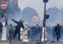 Ci sono stati scontri e arresti al corteo del primo maggio a Parigi