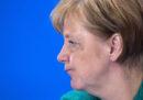 Merkel sta continuando a pagare cara l'apertura della Germania ai migranti