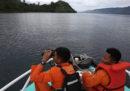 Ci sono quasi 200 dispersi dopo l'affondamento di un traghetto in Indonesia