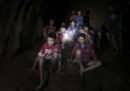 I ragazzini thailandesi intrappolati in una grotta hanno ricevuto cibo e assistenza medica