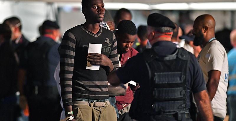La Circolare Di Salvini Sulla Protezione Umanitaria Ai Migranti Spiegata Il Post