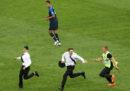 L'invasione di campo delle Pussy Riot durante la finale dei Mondiali