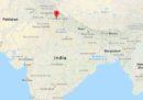Almeno 44 persone sono morte in un incidente a un pullman nel nord dell'India