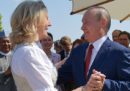 Cosa ci faceva Putin al matrimonio di una ministra dell'Austria?