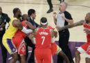Il video della gran rissa di stanotte in NBA
