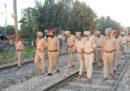 Almeno 61 persone sono morte in un incidente ferroviario in India