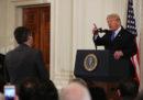La Casa Bianca ha ripristinato l'accesso del giornalista Jim Acosta alla sala stampa