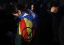 Gli scontri a Barcellona tra indipendentisti e polizia