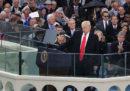Una donna che lavorava per la campagna elettorale di Donald Trump lo ha accusato di averla baciata contro la sua volontà nel 2016