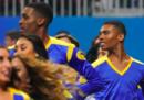 I primi cheerleader uomini al Super Bowl
