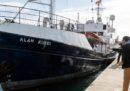 I 65 migranti sulla nave Alan Kurdi sono sbarcati a Malta