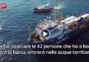 Il momento in cui la comandante della Sea Watch 3 dice alle autorità italiane che arriverà a Lampedusa