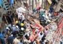 Un edificio è crollato a Mumbai, in India: due persone sono morte e circa 40 sono disperse
