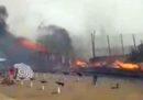 Ci sono stati grossi incendi negli stabilimenti balneari sulla spiaggia di Catania