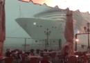 Il video della nave da crociera che rischia di schiantarsi sulla banchina a Venezia