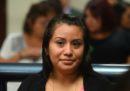 La donna di El Salvador che era stata condannata a 30 anni di carcere per un aborto spontaneo è stata assolta in un nuovo processo