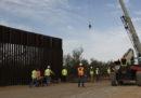 Il Pentagono ritarderà o sospenderà 127 progetti di costruzioni militari per finanziare il muro al confine col Messico