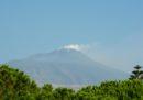 Lo spazio aereo di Catania è stato chiuso parzialmente a causa di nuove eruzioni di cenere dell'Etna