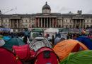 La polizia di Londra ha vietato le proteste del movimento ecologista Extinction Rebellion e ha sgomberato Trafalgar Square dalle tende dei manifestanti