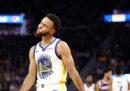 Stephen Curry si è fratturato la mano sinistra nell'ultima partita di NBA contro Phoenix