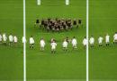 La nazionale inglese di rugby è stata multata per essersi avvicinata troppo alla haka della Nuova Zelanda