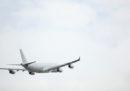 La compagnia aerea australiana Qantas ha ritirato tre aerei Boeing dopo avere scoperto la presenza di crepe strutturali