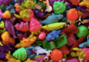 I giochi di plastica dei fast food sono un problema per l'ambiente?