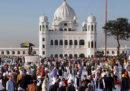 È stato aperto un corridoio speciale per permettere agli indiani di religione sikh di superare senza visto il confine tra India e Pakistan