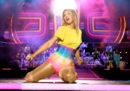 Taylor Swift dice che le stanno impedendo di cantare le sue vecchie canzoni