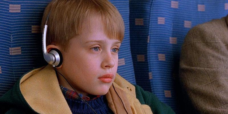 Macaulay Culkin in una scena di mammo ho riperso l'aereo