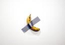 È una banana attaccata al muro con lo scotch, quanto può costare?