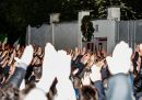 È stato chiesto il rinvio a giudizio per 28 persone accusate di apologia di fascismo per aver fatto il saluto romano durante un corteo