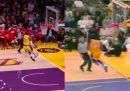 Una grande schiacciata di Kobe Bryant, rifatta uguale da LeBron James