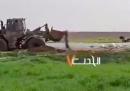 Ci sono stati nuovi scontri al confine della Striscia di Gaza, un palestinese è stato colpito e trascinato da una ruspa israeliana