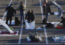 """A Las Vegas centinaia di persone senza dimora sono state """"alloggiate"""" in un parcheggio"""