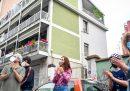 I festeggiamenti per il rientro di Silvia Romano a Casoretto, il quartiere dove abitava