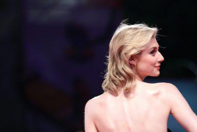 "Elizabeth Debicki interpreterà Lady Diana nelle ultime due stagioni di ""The Crown"""