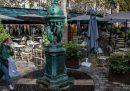 A Parigi da martedì chiuderanno i bar per via delle nuove restrizioni per il coronavirus