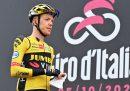 Due squadre hanno lasciato il Giro d'Italia dopo le positività riscontrate tra corridori e staff