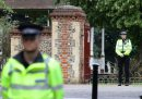 """Il Regno Unito ha alzato il livello di allerta anti terrorismo, indicando che un attacco è """"molto probabile"""""""